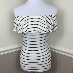 Express women's body suit off shoulder or on sz sm